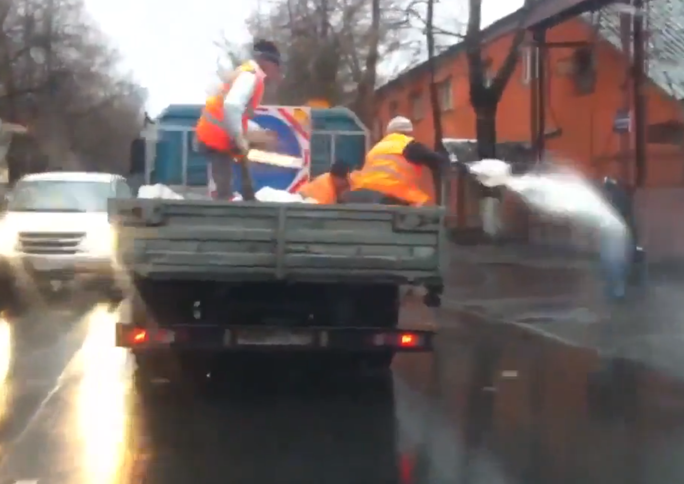 Russia Invents New Method of Gritting.png
