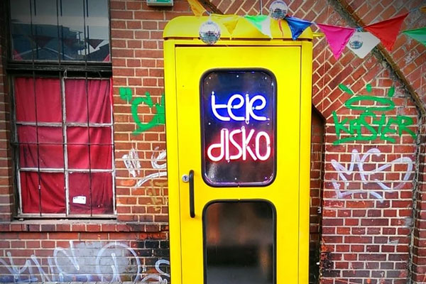 Disco-Phone-Booth