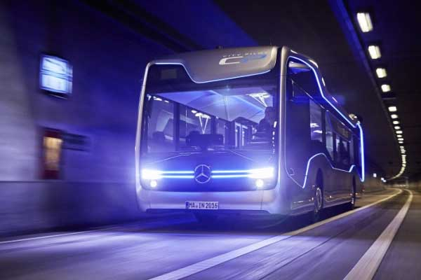 VIDEO   Mercedes-Benz self-driving bus just completed a 12-mile test trip