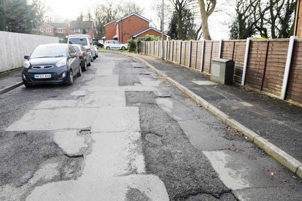 Bury-Potholes-1