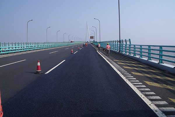 RHiNOPHALT® | Success on the Hangzhou Bay Bridge