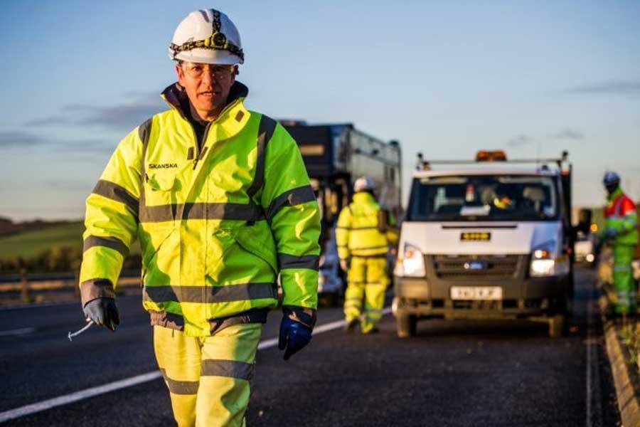 Image of a Skanska Highways Worker