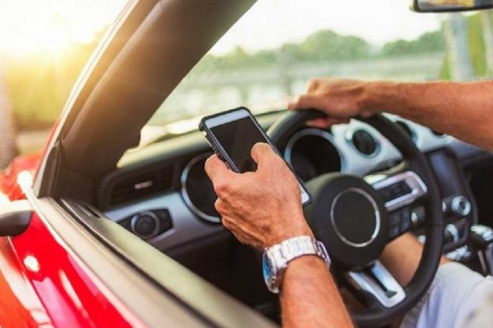 Apple software that stops motorists from texting behind the wheel