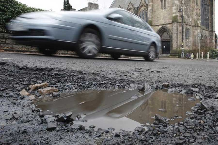 16000-Potholes