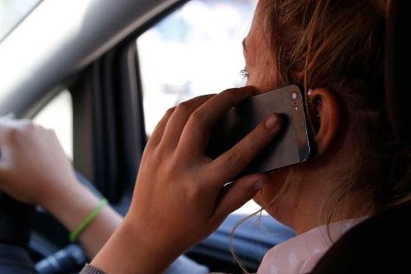 drivers-on-phone
