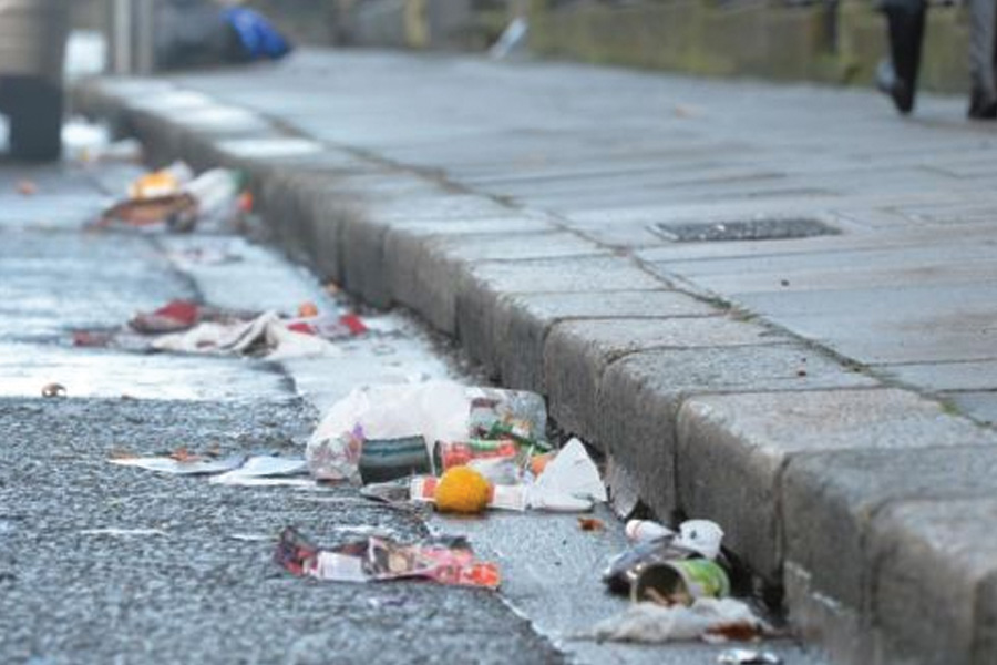Drivers will be hit with £150 litter fines even if passenger is the culprit……