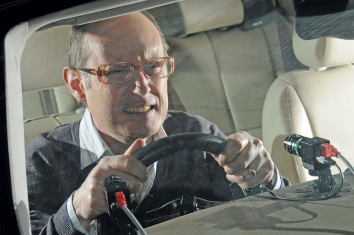 Drivers will have licence revoked if they fail road side eye test