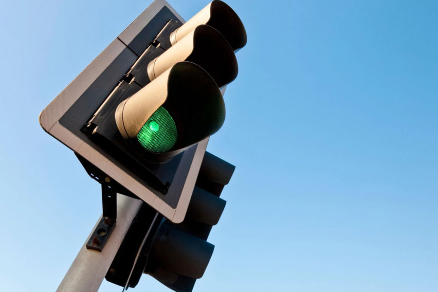 Smart traffic lights which always turn green to be trialled on Britain's roads....