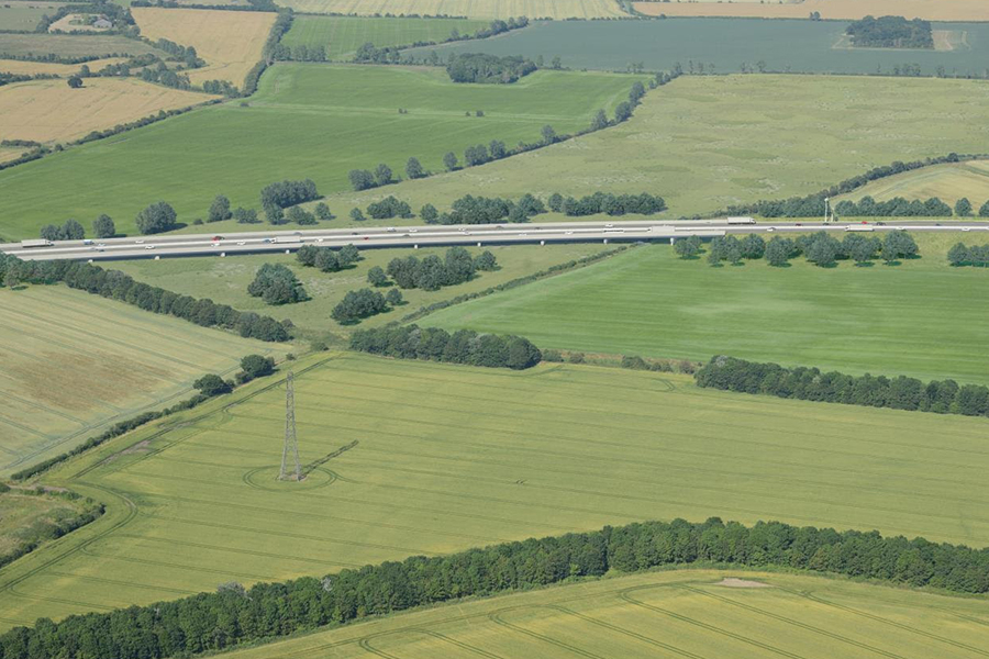 Image: How the Lower Thames Crossing viaduct over the Mardyke Valley will look
