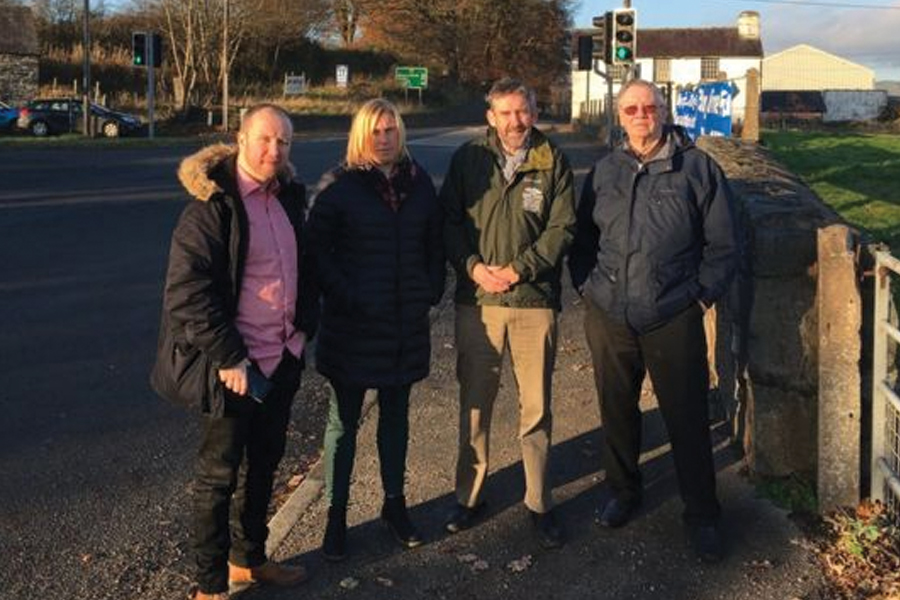 Sian Roberts met councillors Mabon ap Gwynfor, Huw Jones and Elwyn Edwards at the junction. Image: LDRS
