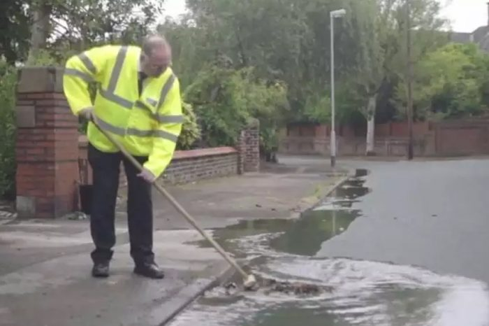 Lancashire highways officers ask public 'please clear out the road drains'