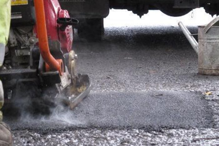 Cash boost promised to repair Wiltshire's potholes