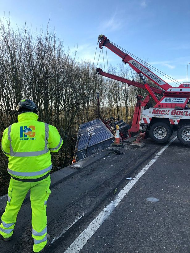 Highway Care arrive on the scene to set about repairing the damaged barrier. Image: Highway Care