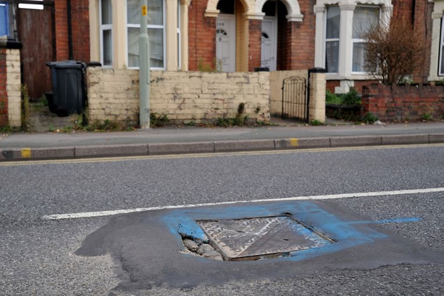 Utility companies could have to guarantee pothole-free roads for five years