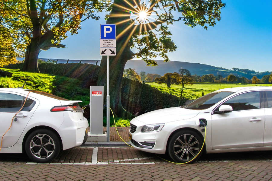 Last Week After Several States Proposed New Registration Fees On Electric Cars Ostensibly To Pay For Road Maintenance We Wondered What Our Readers