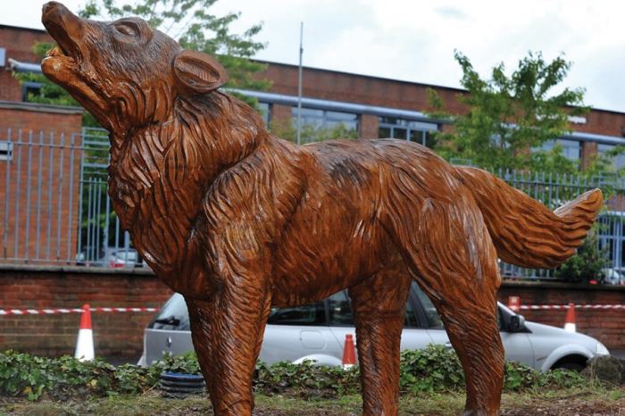 Wolverhampton Wolves: three iconic wolves unveiled as part of Eurovia Contracting scheme