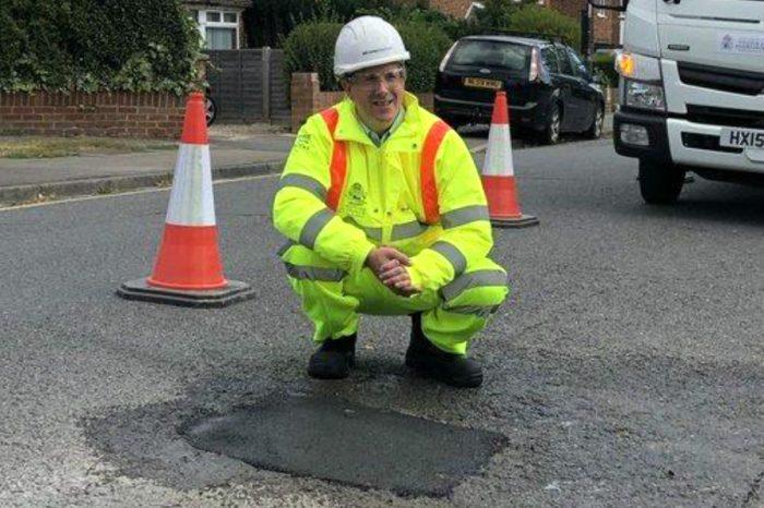 Pothole repair guarentees by the Royal Borough