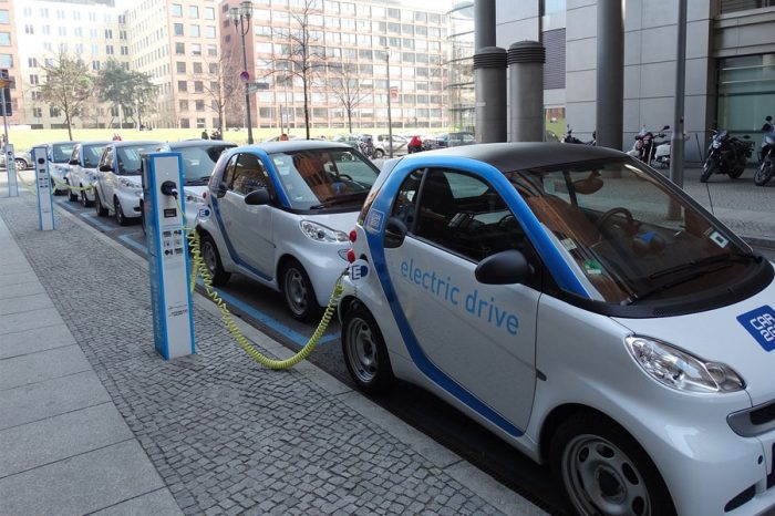 Report says sharing EV charge points is key to meeting growing demand