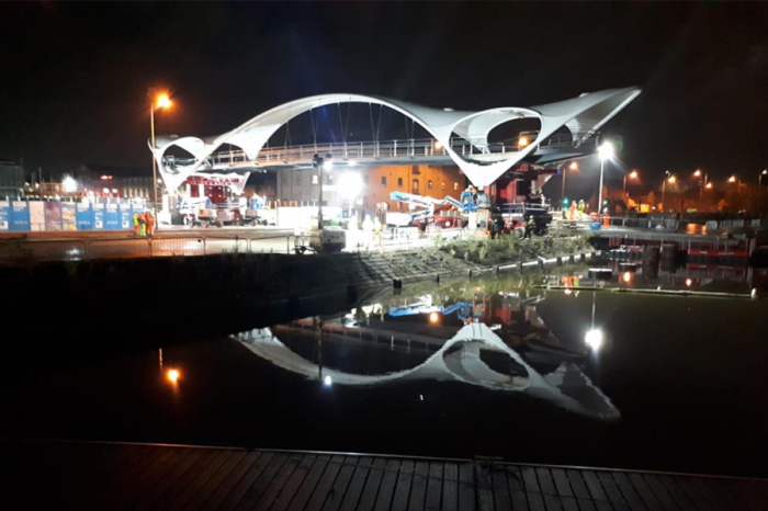 Hull's new bridge now in place