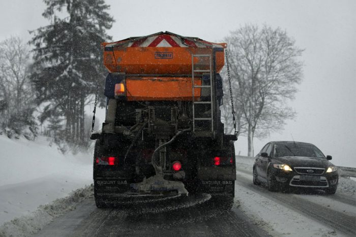 Roads team praised after gritter took a treacherous slide in the icy conditions