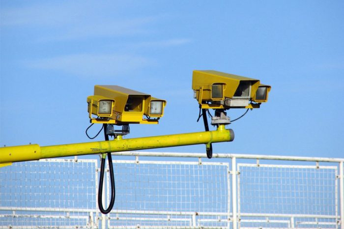 UK roads becoming increasingly dangerous as traffic police are being replaced with speed cameras
