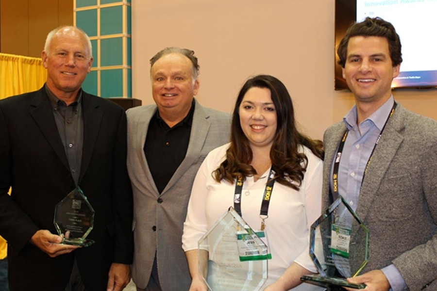 Jessica Roy – CEO of Royal Innovative Solutions receiving the ATSSA innovations award 1st place