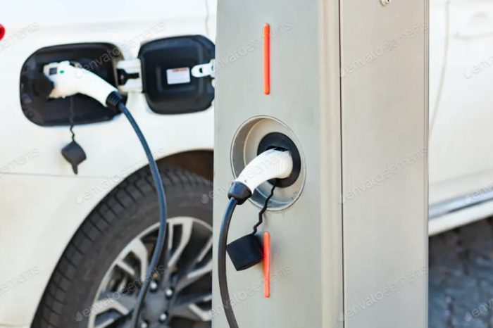 Drivers want EV charging signs to stand out more