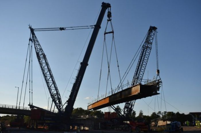 M4 to be closed this weekend as huge steel beams for new bridge are lifted into place
