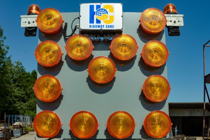 Highway Care | Mini Light Arrows: Be 'seen and safe' this winter
