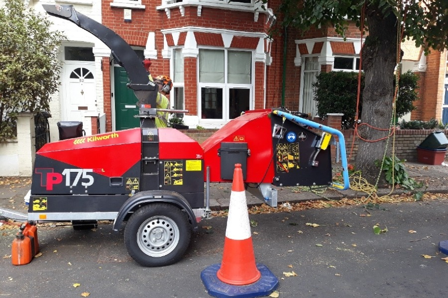 Hounslow Highways | Cleaner, greener service in Hounslow moves to tackle green waste