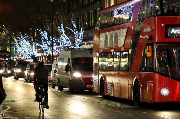 Government outlines Christmas travel measures to help minimise disruption
