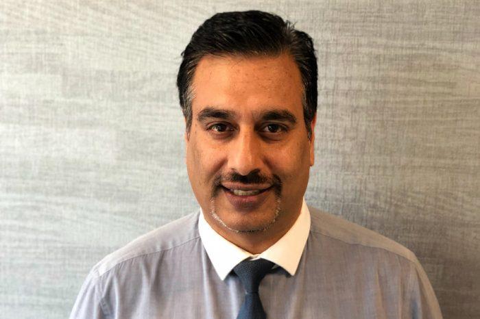 Instarmac | Instarmac's Technical Manager celebrates 25-year service award