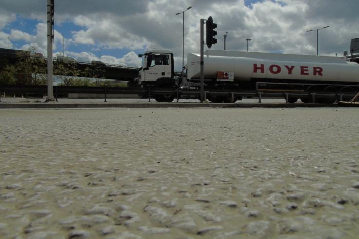 Tarmac   Heavy duty solution boosts performance at Dartford Crossing