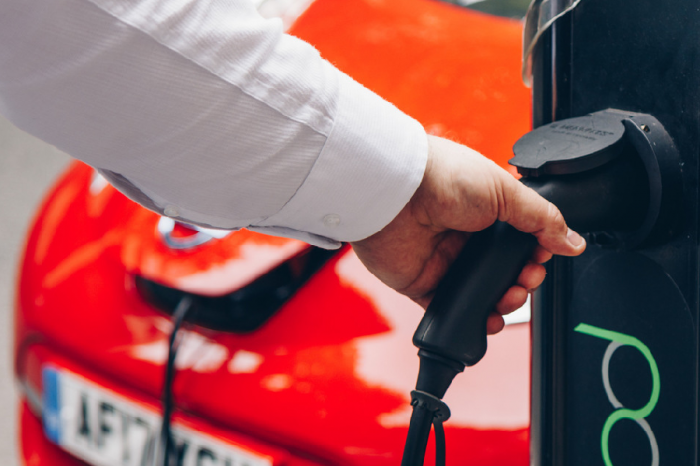 Transport Secretary encourages UK to switch to electric vehicles